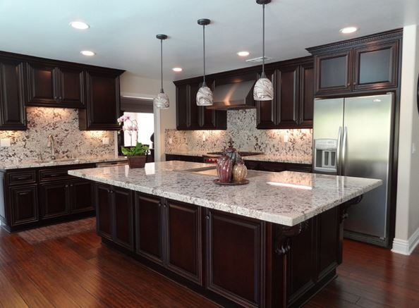 Lovely Kitchen Design With Granite Countertops 2