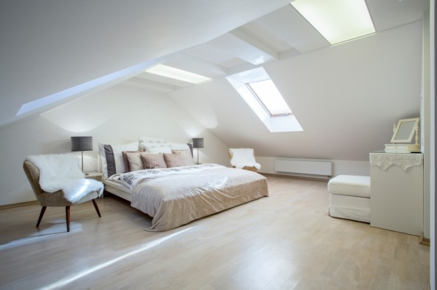 Cozy And Breezy Bedroom Design Ideas With Skylight