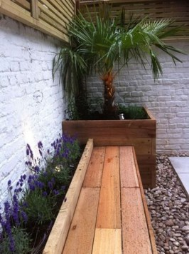 Small Courtyard Garden With Seating Area Design ☼ Via Rockindeco