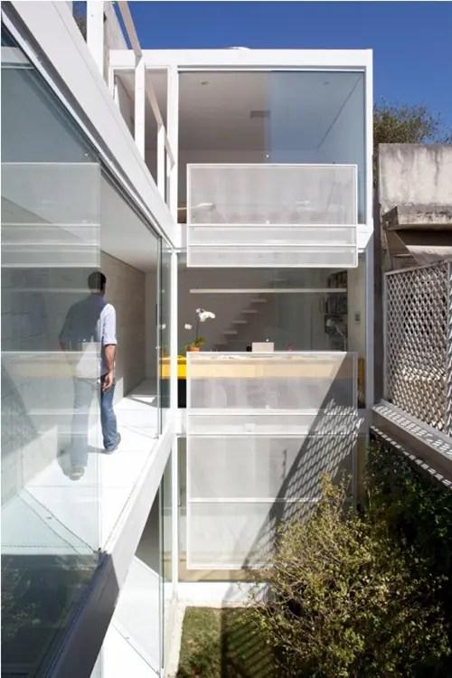 Pequea Casa Minimalista en Brasil  Interiores