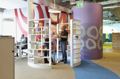 Fun-and-colorful-Unilever-office3