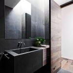 44 ideas para decorar y organizar baños pequeños (31)