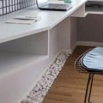 Mini apartamento lleno de ideas creativas de almacenamiento y decoración 11