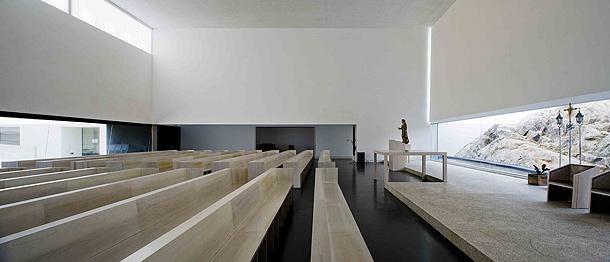 Arquitectura religiosa y minimalismo por Joo Lus Carrilho da Graa  Interiores Minimalistas