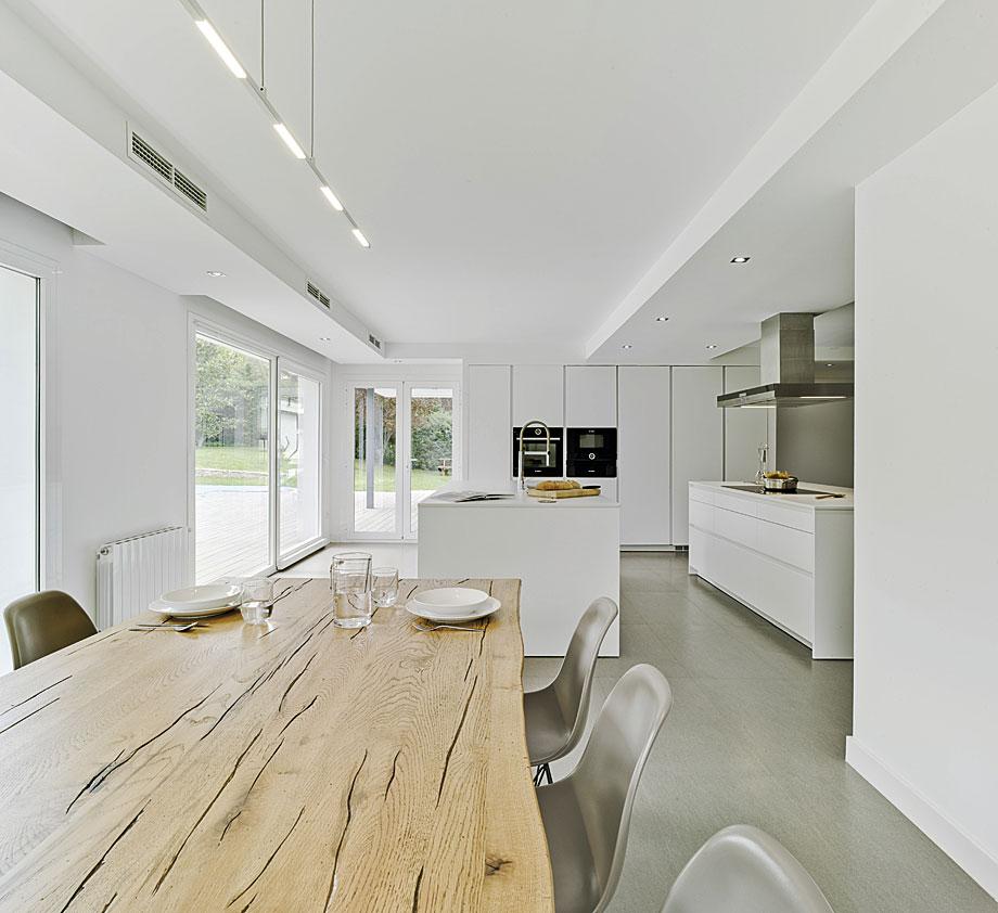 Cocina y comedor en un espacio nico por Docrys Cocinas