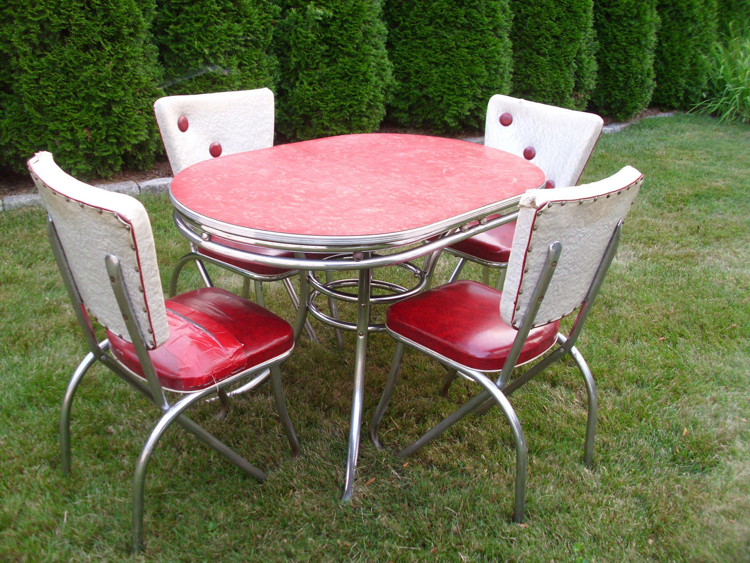 red kitchen table set world beef jerky retro chairs when become a