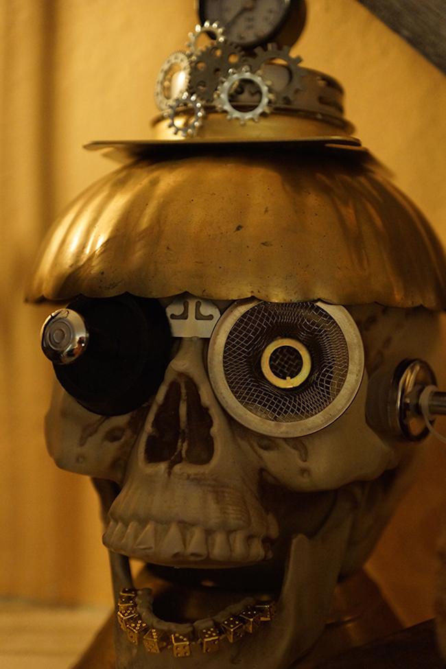 33 Different Steampunk Halloween Decorating Ideas