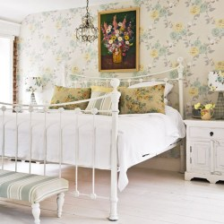 cottage bedroom floral bedrooms traditional designs bed decorating interior antique furniture chandelier iron decor theme cozy decorations common housetohome mix
