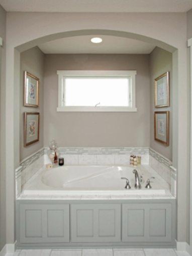 lightGrayBathroom-tub