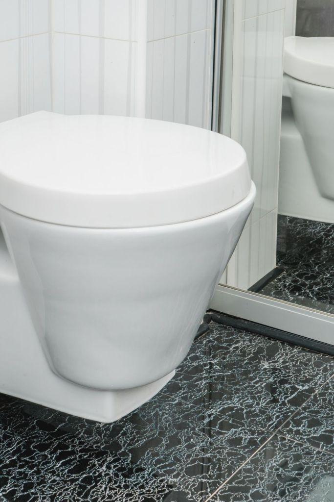 klein toilet inrichten 4 tips voor het onderhouden van sanitair
