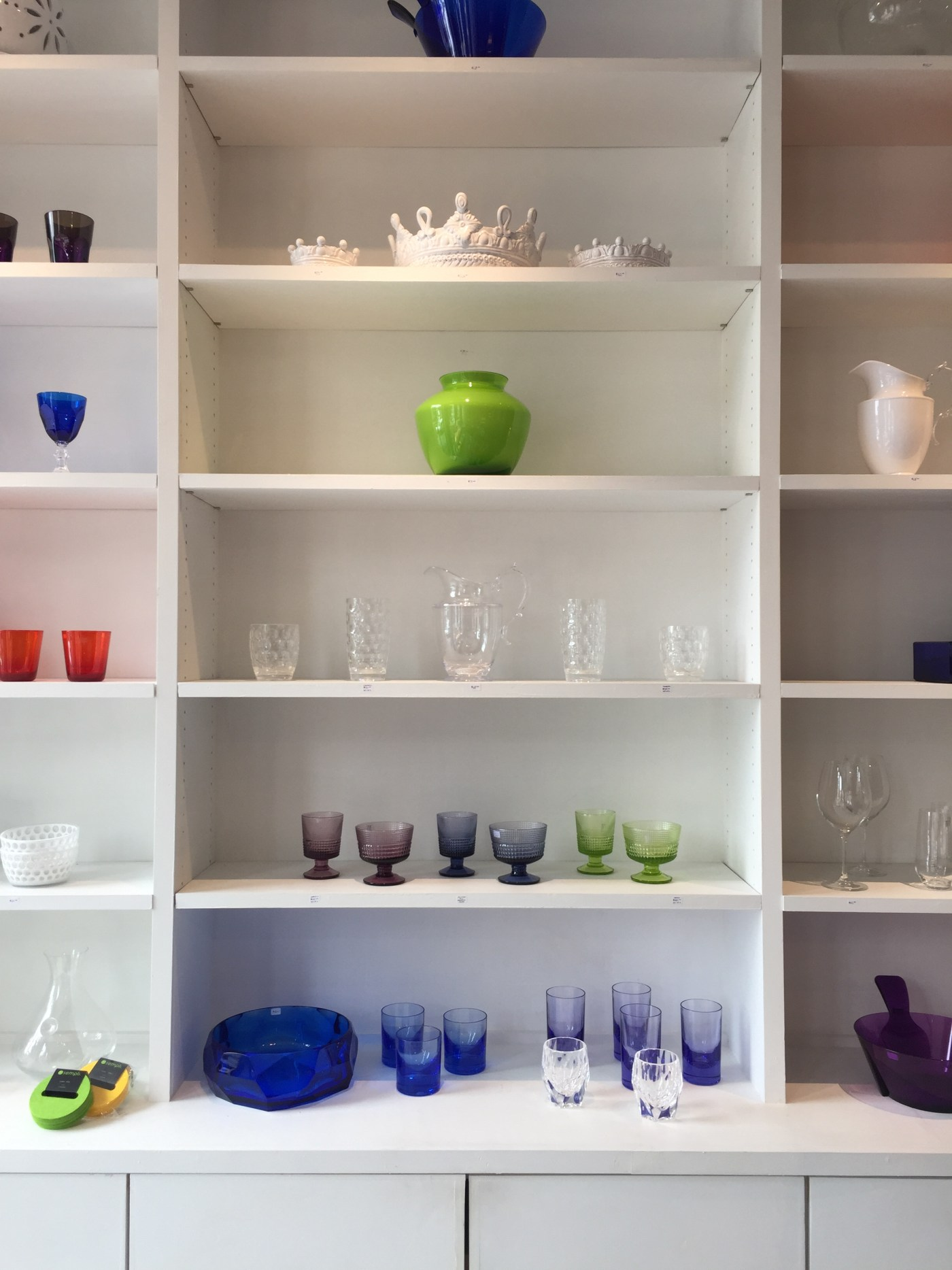 Friday Family-Friendly Find: Giardini di Sole Roberta Pitcher & St. Tropez Dinner Set | Interiors for Families