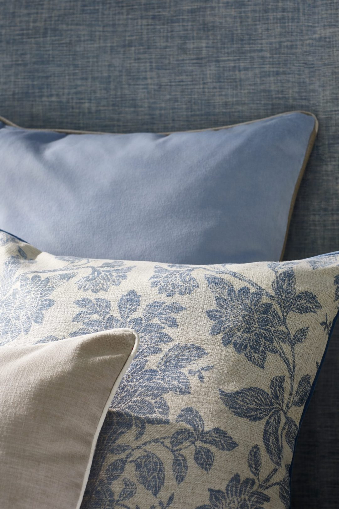 5 Wedgwood Home - Fabrics & Wallcoverings by Blendworth Tonquin Weave 4