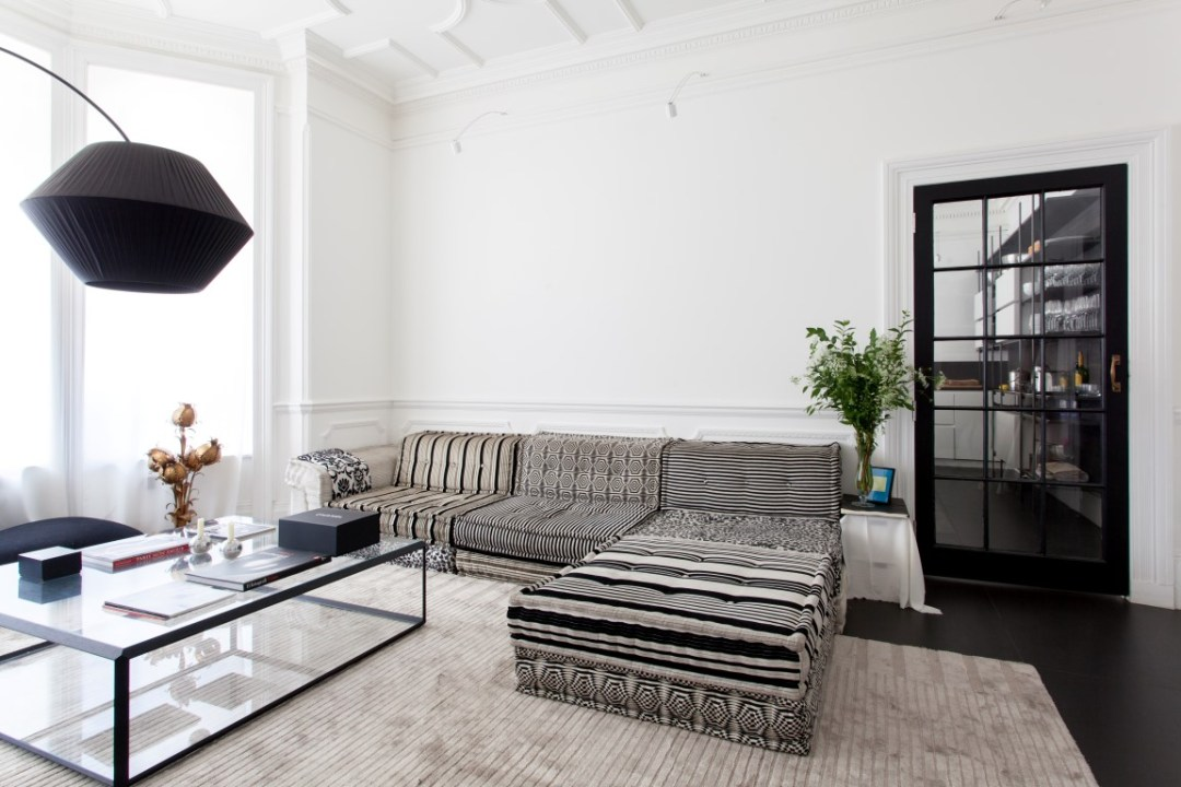 being an interior designer. The Traditional Business Model Of Interior Design Is Being Challenged. Advances In Technology Are Making This Possible. It\u0027s Not A Bad Thing, An Designer T