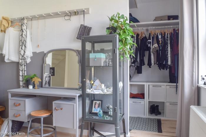 Slaapkamer Meubels Ikea : Maak zelf low budget je eigen inloopkast met meubels van ikea
