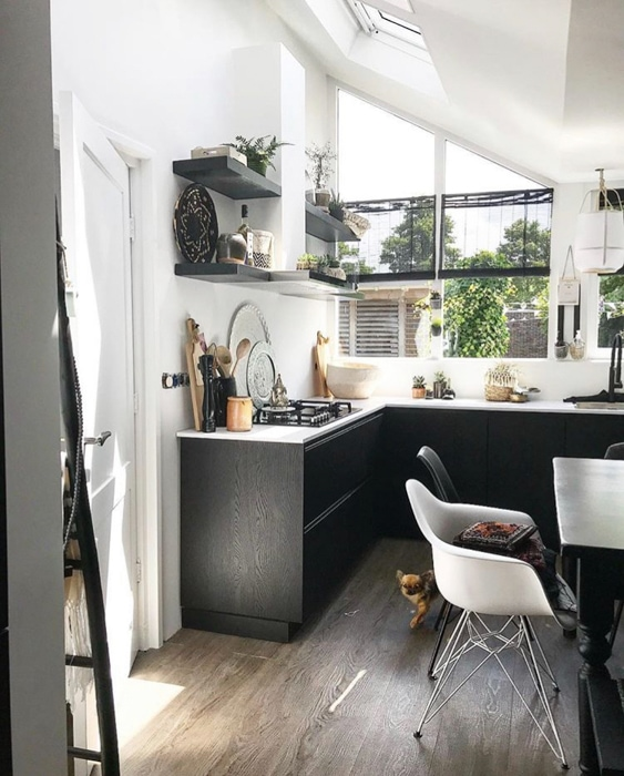 zwarte en witte keuken @natashabijleveld