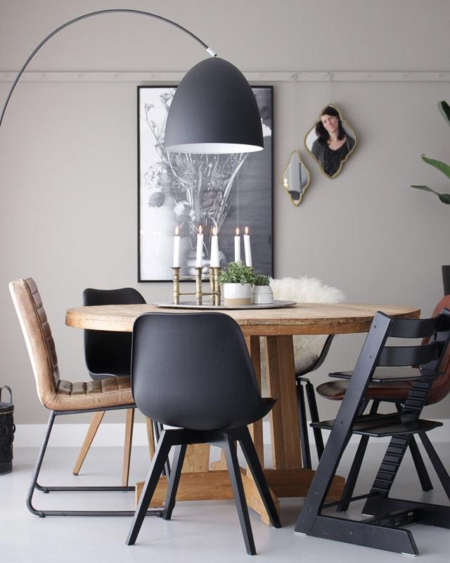 Het favoriete item in huis van jeannette interiortwin for Zwarte eettafel stoelen