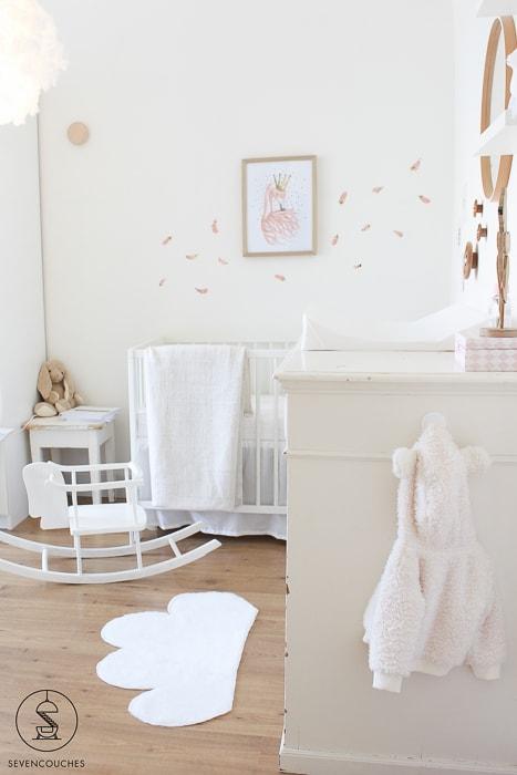 schommelpaard babykamer
