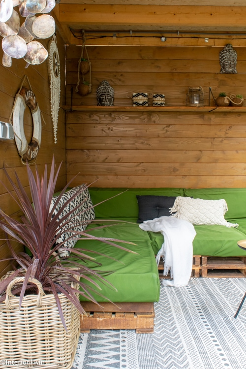 plantenpotten en accessoires voor in de tuin
