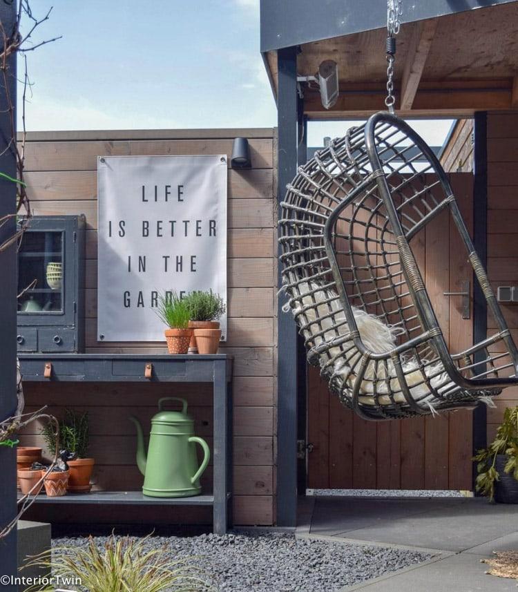 aankleden tuin muur styling voorbeelden