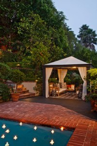 Cool And Classy Transitional Outdoor Design - Interior Vogue