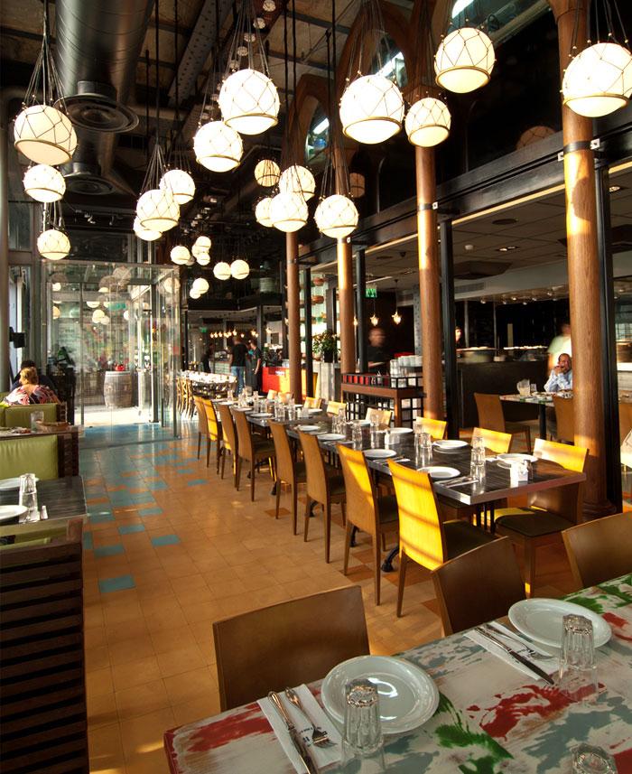 Seafood Restaurant with Elements of Arab Architecture  InteriorZine