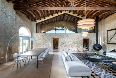 House with Historic Spirit Restored by Gloria Duran InteriorZine