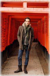 Getting my Memoirs of a Geisha on at the gates of Fushimi Inari-taisha in Kyoto, Japan