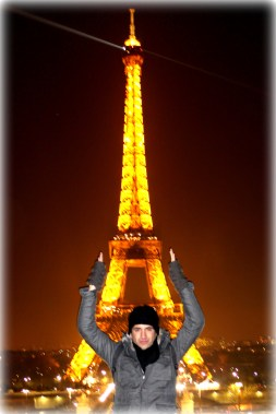 The Eiffel Tower in all her night time glory