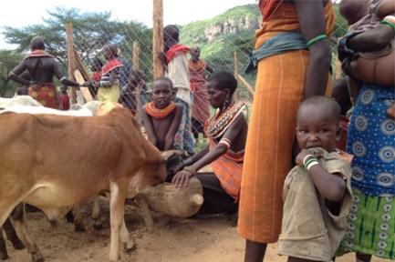 480px_Kenya_Women-and-Water1
