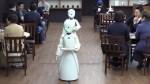 Abre en Tokio café atendido por robots operados por personas con discapacidad