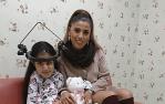 Yahaira visita en el hospital a una niña peruana a punto de tener su 15ta operación