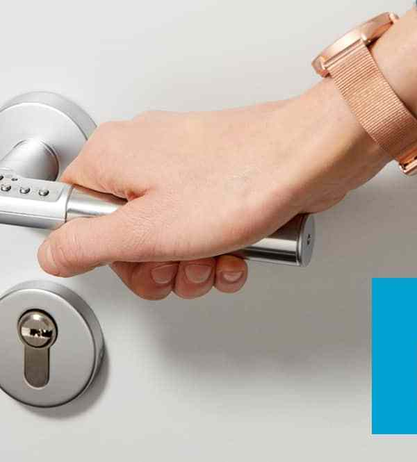 Code Handle: the door handle that locks itself