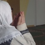 Winer_mosqueWomanPraying