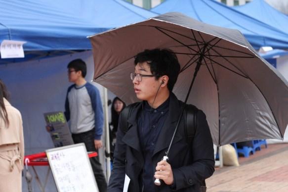 SK_Frazier2_UmbrellaMan