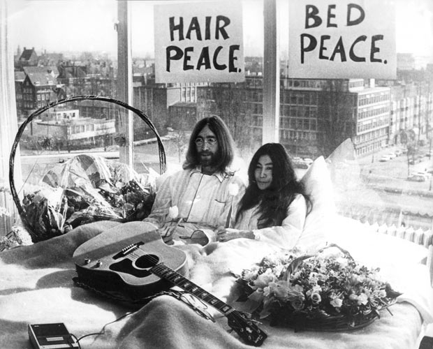 1969-bed-peace_1781177i