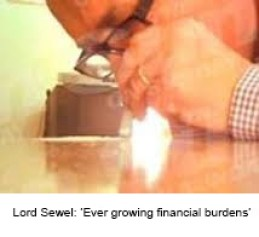 Lord Sewel snorts cocaine 6