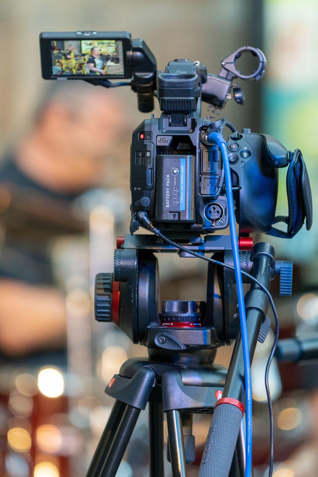 """Livestream Kamera mit Chiefoke beim Konzert """"Der Berg ruht"""" Erlangen 2021"""