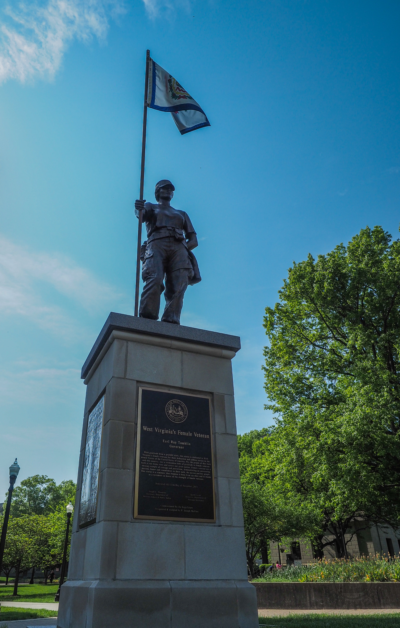 Meanderthals | State Capitol, Charleston, West Virginia – A Photo Essay