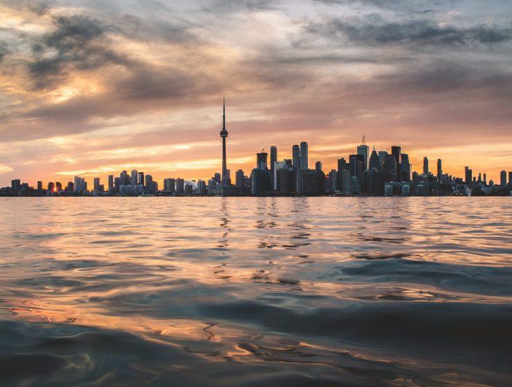 canadian-economy-internet-bull-report