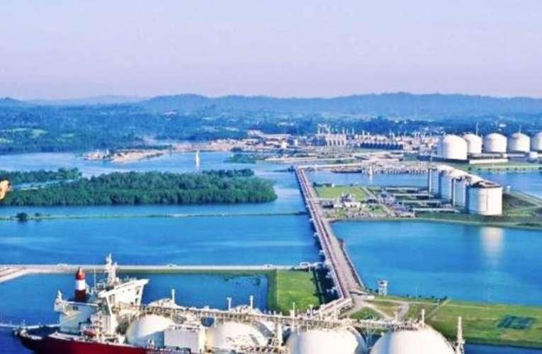 Szijjártó: történelmi gázvásárlási megállapodás született a Shellel