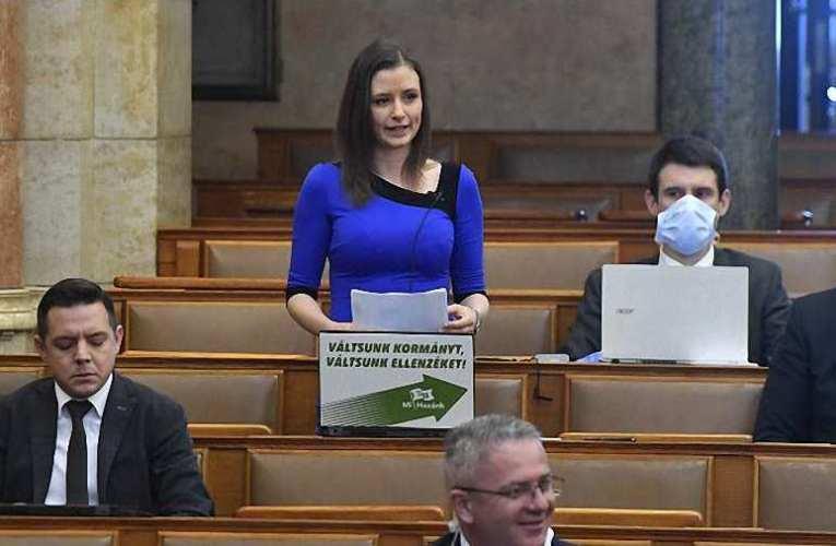 DK-s politikus-bűnözőket ültetnének Magyarország nyakára – Dúró Dóra keményen kiosztotta az ellenzéki összefogást