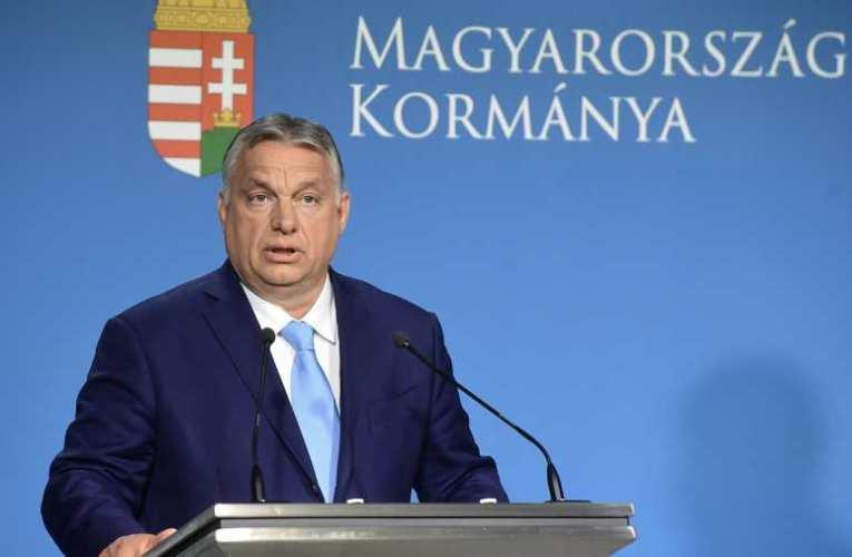 Orbán: Magyarországon kultúraidegen a térdelés a futballpályákon