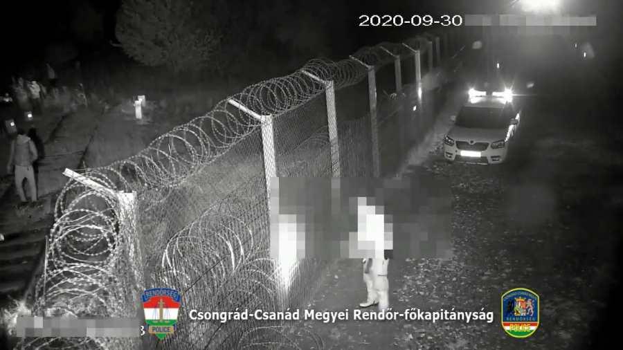 Mayer Gábor: A kerítés oldalai