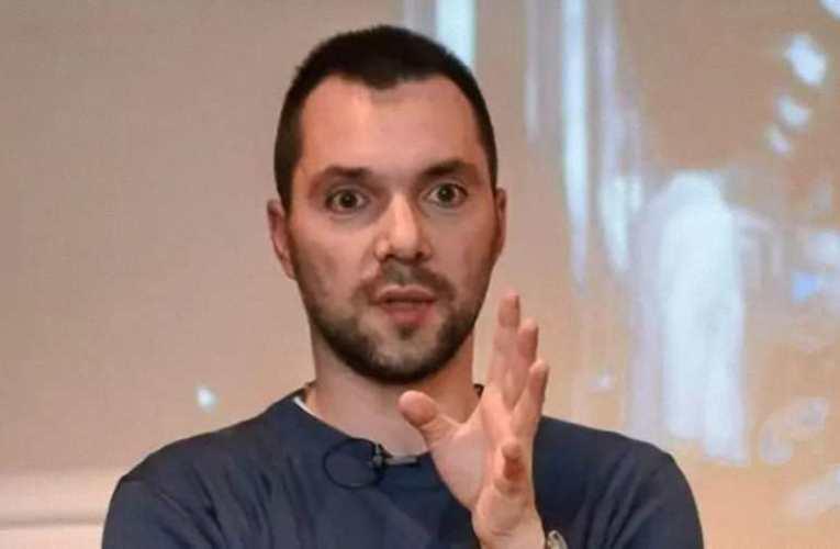 Aresztovics rakétákkal fenyegette meg Putyint