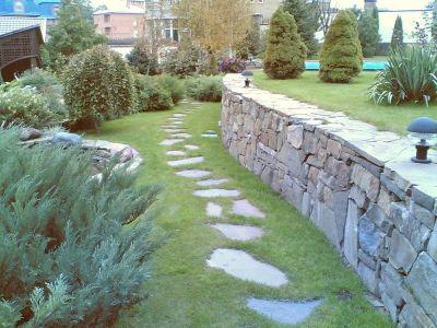 стенка подпорная из бутового камня