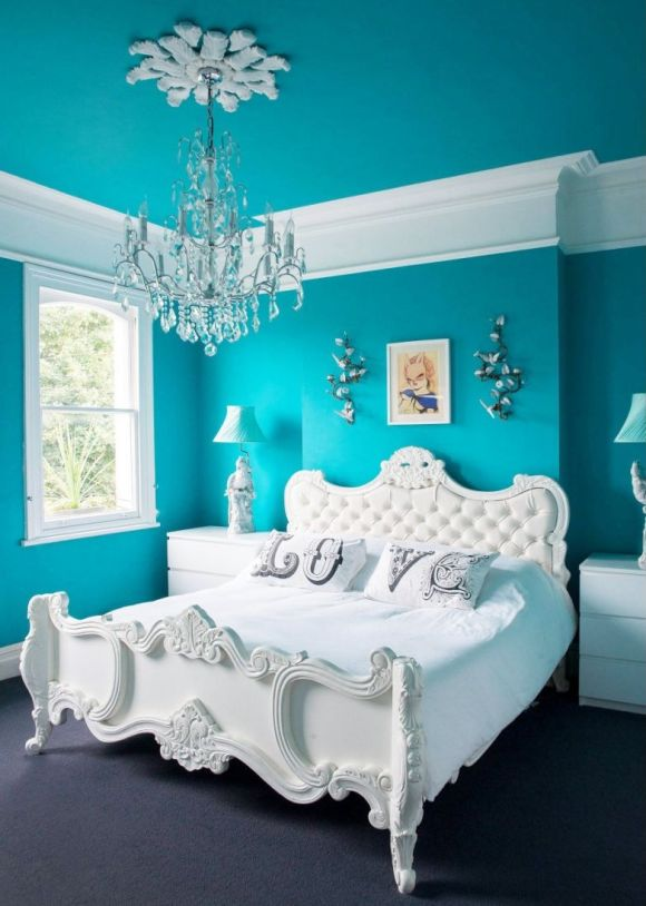 White-Furniture-in-Turquoise-Bedroom