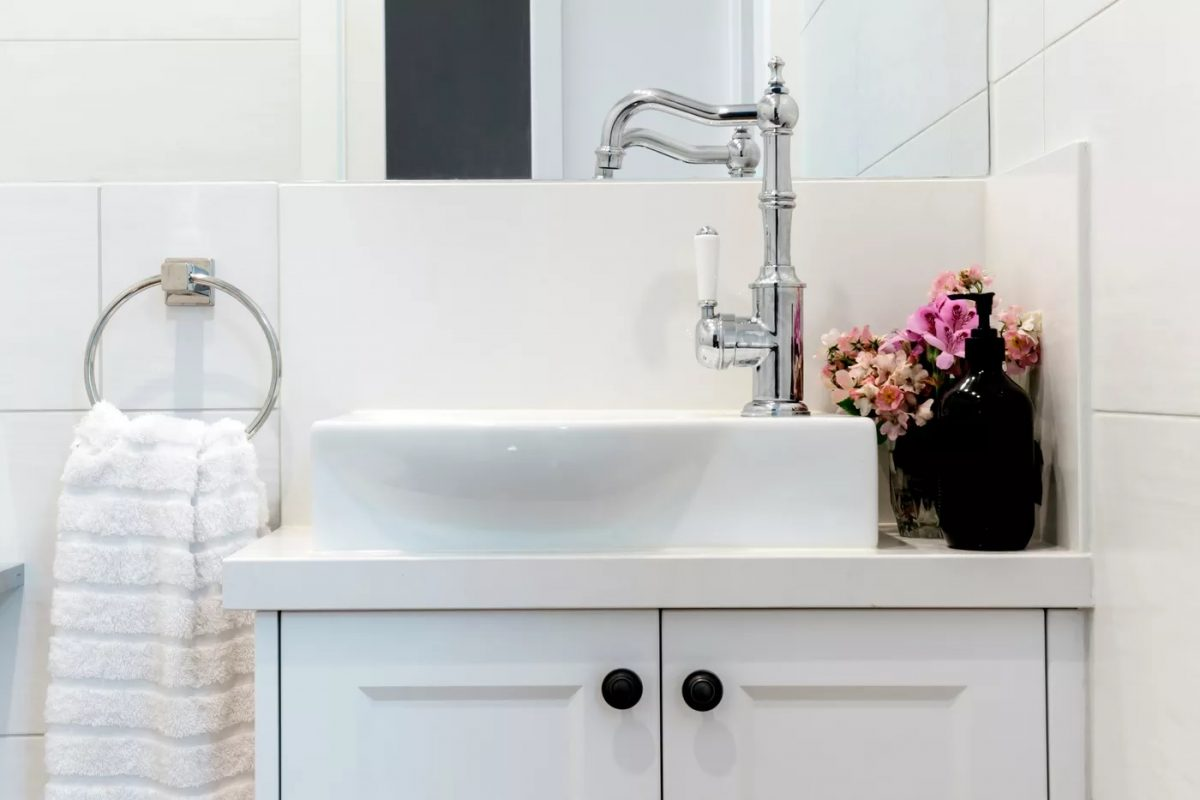 Bathroom-Sink-Decorating-Ideas