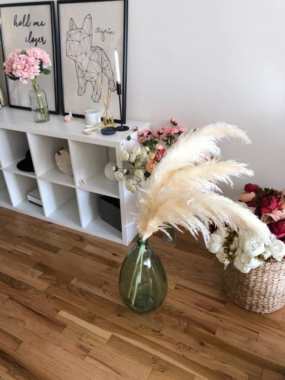 Entryway Decor with floral and feather motifs