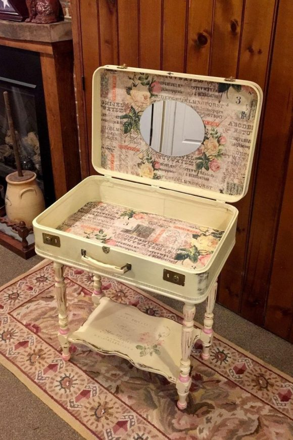 Transform the Old Suitcase into Makeup Table