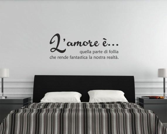 Adesivo murale-l'amore è follia-adesivo da parete frase
